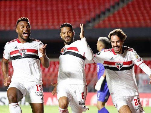 فرم پیش بینی بازیسائو پائولو در مقابل اسپورتینگ کریستال
